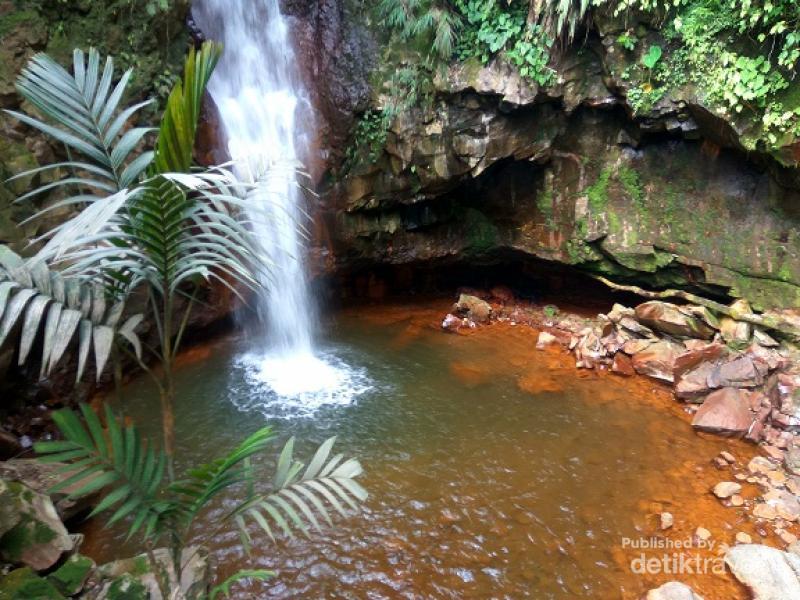 Air Terjun Cantik di Bogor yang Belum Banyak Orang Tahu