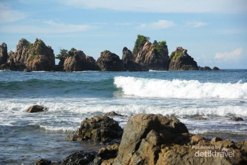 Permalink to Kopi dan Keindahan Pantai Gigi Hiu yang Magis