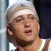 Hobi Selingkuh, Eminem Ditolak Mantan Istri