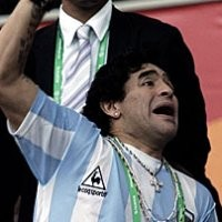 Maafnya Maradona Buat Boca, Bukan Inggris
