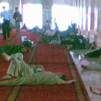 Beribadah dan Rehat di Masjid Istiqlal