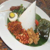 Dibungkam Bebek Krispi dan Nasi Belong Bali Asli
