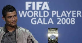 Ronaldo Pemain Terbaik Dunia 2008