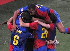 Pukul MU 2-0, Barcelona Juara