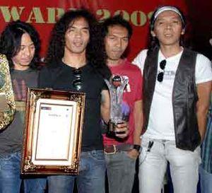 Slank Dianugerahi Civil Society Award