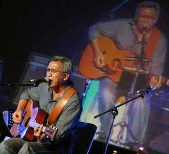 Iwan Fals, Gitar dan Puisi