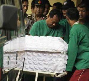 Jenazah Teroris Tiba di RS Polri