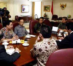 SBY Panggil Kapolri dan Jaksa Agung