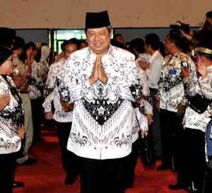 SBY Hadiri HUT ke-64 PGRI