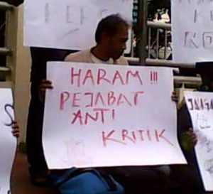 Wartawan Tolak Pejabat Antikritik