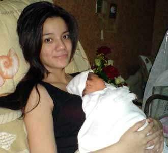 Sheila Marcia & Anak Pertamanya