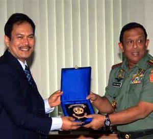 Panglima TNI Terima Rektor UI