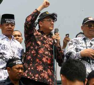 Irman Gusman Tanggapi Demonstran