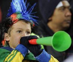 Ayo Ramai-ramai Tiup Vuvuzela!
