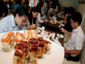 Asyiknya Makan Sushi Bareng Pak Bondan!