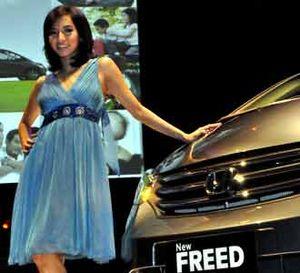 Honda Freed Serba Otomatis