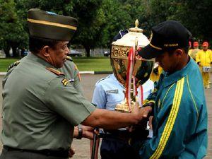 TNI AD Boyong Piala Panglima TNI