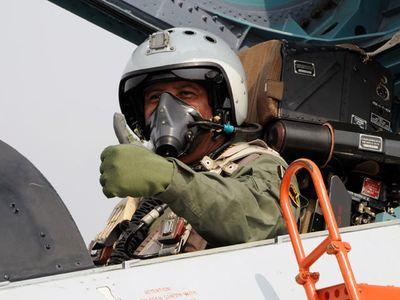 Panglima TNI Terbangkan Sukhoi