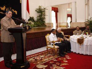 SBY Ngeteh Bareng Karyawan PLN-BRI
