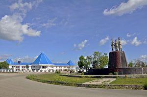 Disambut oleh Tugu BIINMAFO saat memasuki Kota Kefamenanu