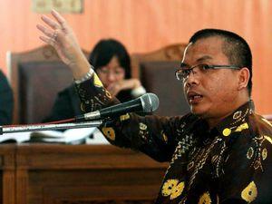 Denny Indrayana Bersaksi untuk Haposan