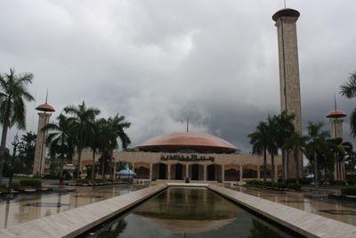 Masjid Sabilal Muhtadin, Kemegahan Artistik Etnis Kalimantan