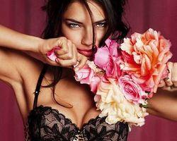 Valentine, Victorias Secret Rilis Koleksi Love