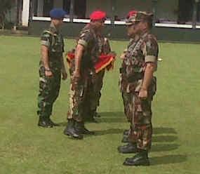 Panglima TNI & Kapolri Terima Brevet Komando Kehormatan Kopassus