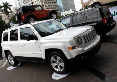 Jeep Wrangler dan Patriot Meluncur