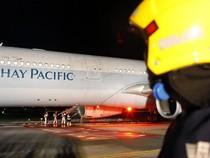 Cathay Pacific Mendarat Darurat