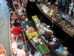Bangkok: Pusat Kuliner, Belanja, dan Plesiran Seronok