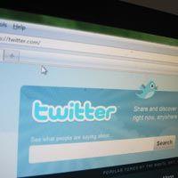 Terkait Rusuh, Twitter Temui Mendagri Inggris