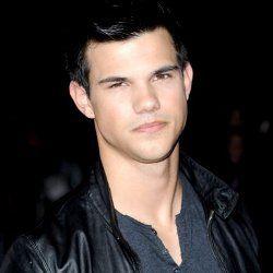 Ingin Seperti Tom Cruise, Taylor Lautner Bersedia Membunuh