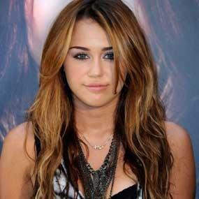 Email Miley Cyrus Dibajak?