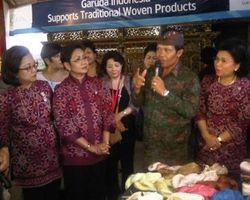 Delegasi ASEAN Terkesan Kunjungi Desa Tenun di Bali