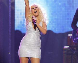 Gemuk, Christina Aguilera Bantah Hamil