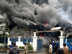 Home Industry Sol Sepatu Ludes Terbakar