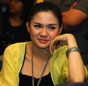 Sibuk, Vicky Shu Belum Mikirin Cowok