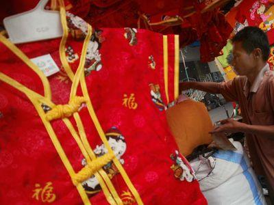 Pakaian China Banjiri Pasar Indonesia