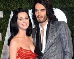 Katy Perry Digugat Cerai Russell Brand