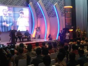 Kala Sang Besan Bersenandung Lagu Ciptaan SBY