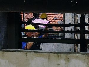 Olah TKP Kebakaran PN Surabaya