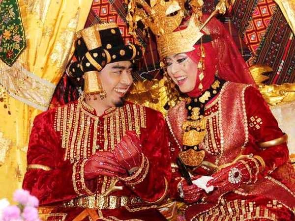 Wah, Meriahnya Resepsi Pernikahan Ustad Solmed