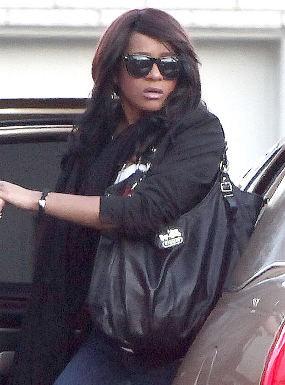 Bobbi Kristina Sempat Menghilang di Upacara Pemakaman Whitney
