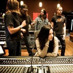 Evanescence Terkesan dengan Fans di Indonesia