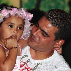 Cristian Gonzales Hadiahi Anak Satu Set Perhiasan Emas