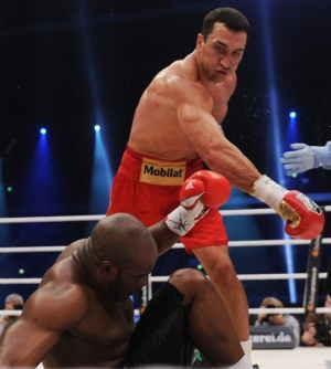 Kalahkan Mormeck, Klitschko Raih Kemenangan KO ke-50