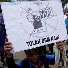 Hujan dan Demo Macetkan Jakarta, Motor dari Tj Barat Masuk Tol JORR