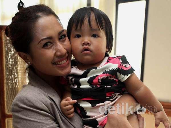 Melinda Perjuangkan Hak Anak dari Bupati Cirebon
