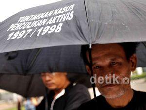 Aksi Kamisan Tuntut Tuntaskan Pelanggaran HAM